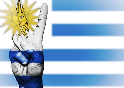 dinero uruguay